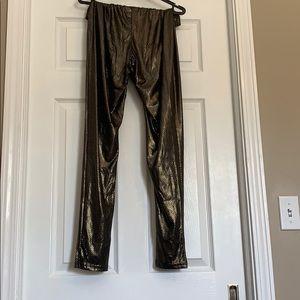 Shiny gold and black leggings